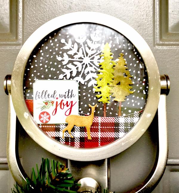 Christmas front door knocker art