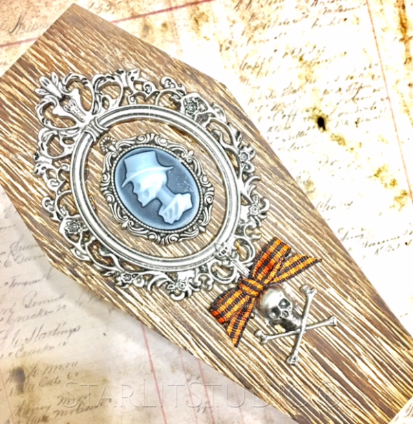 Tim holtz coffin 2
