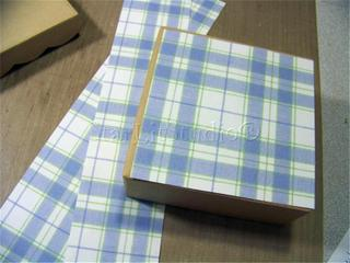 Apples_covering_box_sides