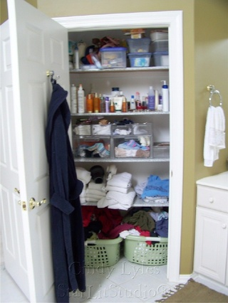 Cindys_linen_closet_before