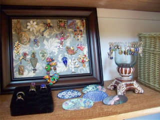 Jewelry_organization_closeup